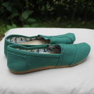 Refresh Flats - Green - Size 7